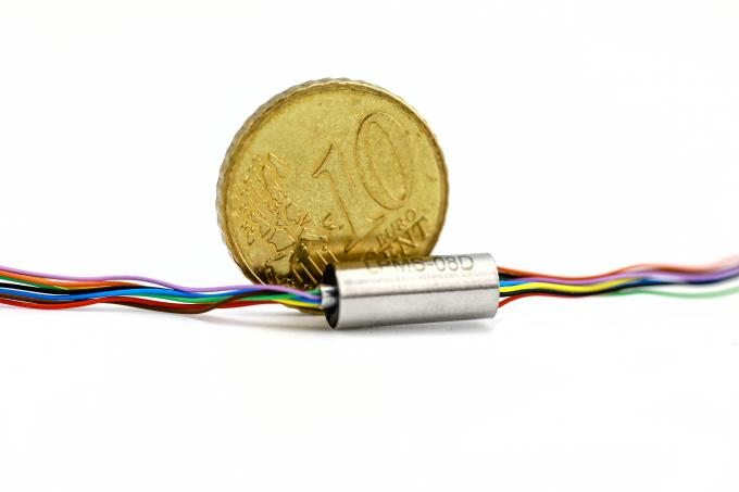 Super Miniature Capsule Slip Ring for Testing Equipment With a Long Lifetime and Low Crosstalk